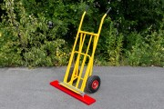 Magnetic rail, sweeper for sack truck / storage cart